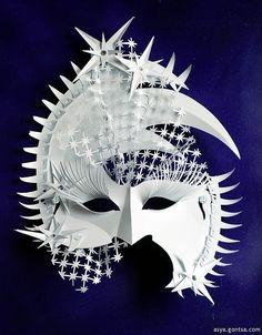 Asya Gontsa (Ukranian paper sculptor). Paper mask.