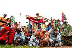 Folia de Reis - Folia de Reis é um festejo de origem portuguesa ligado às comemorações do culto católico do Natal. Brasil