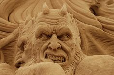 Ray Villafane Sand sculpture