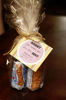 dunkin donuts, teacher gifts, gift ideas, teacher appreciation gifts, diy gifts, gift tags, handmade gifts, mini donuts, hand made