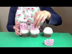 Cake Decorating Video How to Make a Tiara Using a Silicone Mold by Marvelous Molds