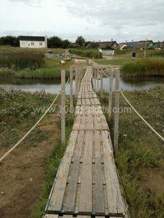 Pallets bridge