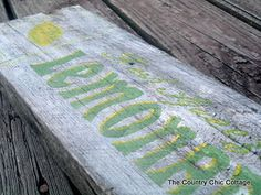 Lemonade sign -- perfect for summer decor
