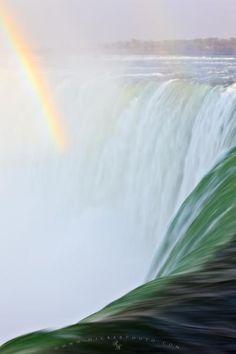 Horseshow Waterfalls, Niagara Falls, Ontario, Canada