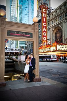 Downtown Chicago city hall elopement. Photography by cristinagphoto.com