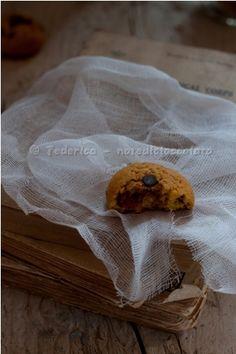 Cookies alle bacche di goji gocce di cioccolato