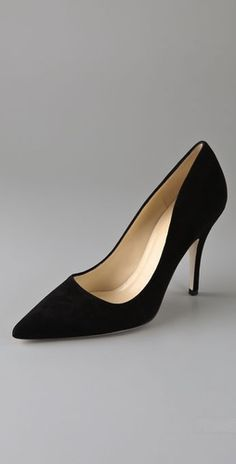 Classic black pumps. Never gets old!
