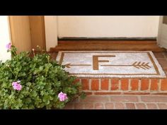 Wipe your feet on a customized #DIY doormat