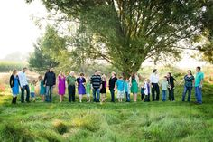 some awesome ideas for shooting large family group photos