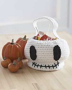Ravelry: Skull Trick or Treat Bag pattern by Lily / Sugar'n Cream