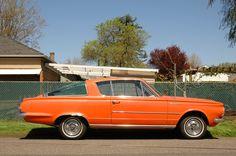 http://4.bp.blogspot.com/-IvBG21o4XMo/UEI-zSt0f9I/AAAAAAAAMC4/AjU7PmaMLdg/s1600/1965-Plymouth-Barracuda.+-+03.jpg