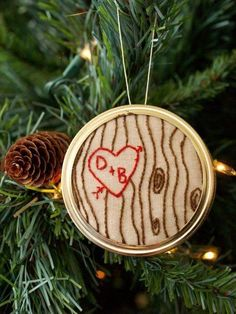 """Wooden Heart"" Embroidery Christmas Ornament with free pattern"