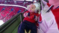 Logan, âgé de six semaines, avant le match Canadiens-Boston le 5 déc. dernier. / Six week-old Logan before the Canadiens-Boston game on Dec. 5. Soumis par / Submitted by Janiice LeRiche (Facebook)
