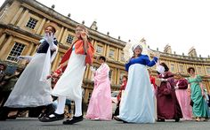 Jane Austen fans break world record at gathering in Bath