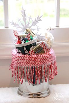 Easy make your own gift basket ideas! {+DIY Gift Ideas link party} @pretty things Handy Girl
