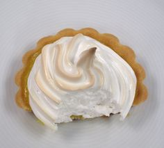 New territories to conquer - Lemon meringue pie for Easter