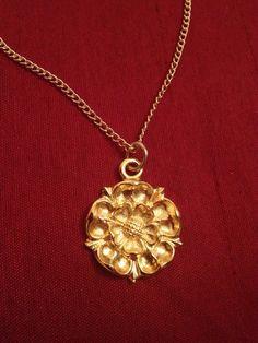 Gold Tone Tudor Rose Necklace Pendant.