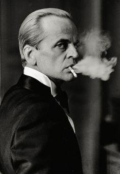 Klaus Kinski. beats, peopl, klaus kinski, cinema, 1977, actor, men, portrait, smoke