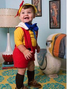 Disfraz casero de niño de Pinocho ¡Muy logrado!