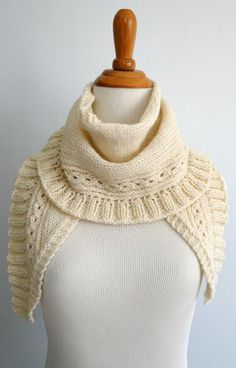 Winter Berries Scarf: Lovely cold weather knit. Makes me almost wish it wasn't spring yet!
