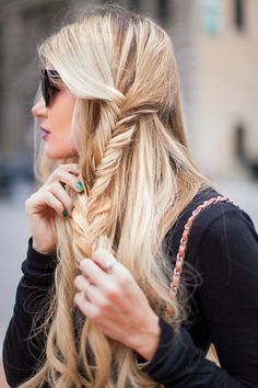 hair colors, side fishtail, hairstyl, braid hair, fishtail braids, thick hair, blonde beauty, green nails, accent braid