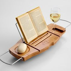 Bath Caddy // with book rest and wine glass holder. Win!