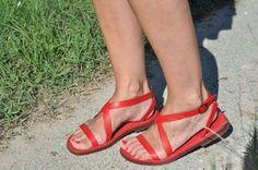 Sandali rossi in cuoio colorato a mano SU --> www.sandalishop.it