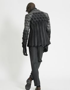 Menswear collection by Ichiro Suzuki successfully merges traditional British tailoring, structural engineering and Op-Art