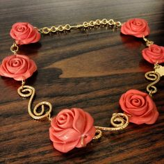 Collar goldfilled y flores coral