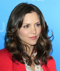 Katharine McPhee hairstyles: Curly vs. sleek