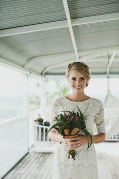 #wedding #dress #sleeves #modest #vintage #lace