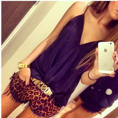 Cute outfit, love the shorts!