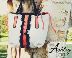 The Ashley Bag - Free Pattern and Sewing Tutorial by Bev of Flamingo Toes