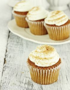 Pumpkin Cupcakes with Maple Cream Cheese Frosting. Yes, please! A sweet #Thanksgiving menu addition. #desserts #recipes
