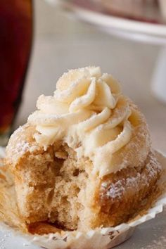 Streusel Topped French Toast Cupcakes with Maple Buttercream Recipe   Utterly Ruins