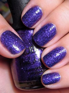 This simple yet bold nail design is great to add a bit of shimmer to your nails.