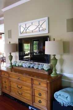 great idea for under the TV on the mantel