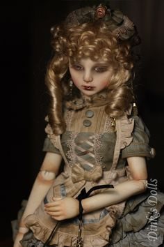 Auctions - Dinks Doll