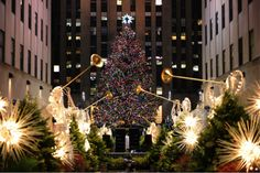 Rockefeller Center - the perfect place to go for some holiday cheer http://renegadechicks.com/achieving-holiday-cheer-in-nyc-the-right-way/