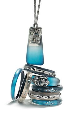 more Lucite jewelry - gorgeous blue color