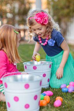 Easter Egg Hunt :: The TomKat Studio for HGTV http://www.thetomkatstudio.com/hgtveasteregghunt/