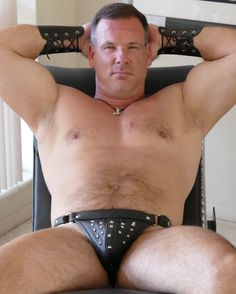 leather daddie muscleman gay hunk GLOBALFIGHT PROFILES