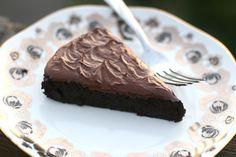 5 Ingredient Paleo Chocolate Cake  It's this one @ Erica Coates !!! DELISHHHHHHH