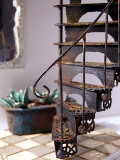 "DIY Victorian ""wrought iron"" spiral staircase - beautiful!  (tutorial) ********************************************* Pequeñeces - #dollhouse #miniature #fairy #garden #DIY #spiral #stair - t√"