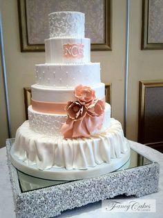 29 Gorgeously Embellished Wedding Cakes: http://www.modwedding.com/2014/02/21/29-gorgeously-embellished-wedding-cakes/ Wedding Cake: Fancy Cakes By Lauren