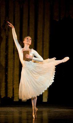 Birmingham Royal Ballet - Beauty and the Beast: Elisha Willis as Belle; photo: Bill Cooper