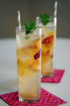 Reception Cocktails : Peach Tom Collins