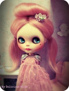 Lola Bella goes pink | by My Delicious Bliss Customs #blythe