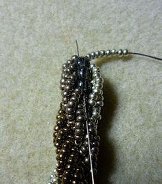 """My Perlentraum: instruction triple Spiral rope.  You can also do a double spiral and """"stitch in the ditch"""".  (German) #seed #bead #tutorial"""
