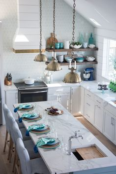 Portfolio — Beth Lindsey Interior Design #decorating #homedecor #rooms #homeideas #design #kitchen #kitchenisland #kitchendesign #remodel #renovation #coastalliving #beach